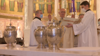 Oils Are Blessed, Nearly 200 Diocese of Brooklyn Priests Renew Their Vows at Annual Chrism Mass