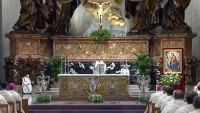 Sharing the Gospel Means Embracing the Cross, Pope Francis Says at Chrism Mass